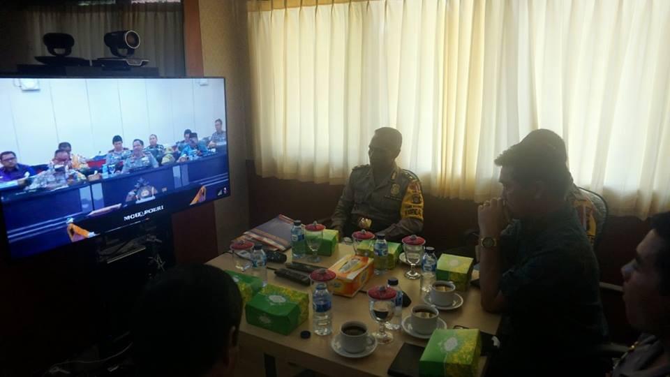 Bupati Klungkung menghadiri Video Conference penandatanganan nota kesepahaman antara Kepolisian NKRI