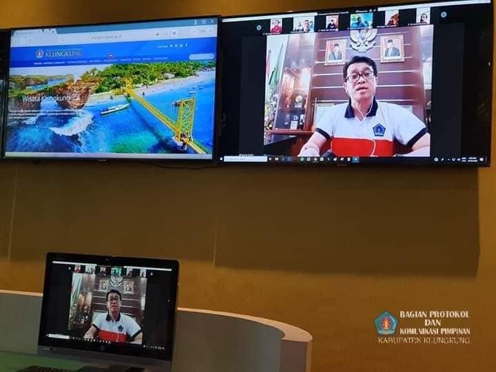 Cegah Penyebaran COVID-19, Bupati Suwirta Gelar Rapat Lewat Video Conference