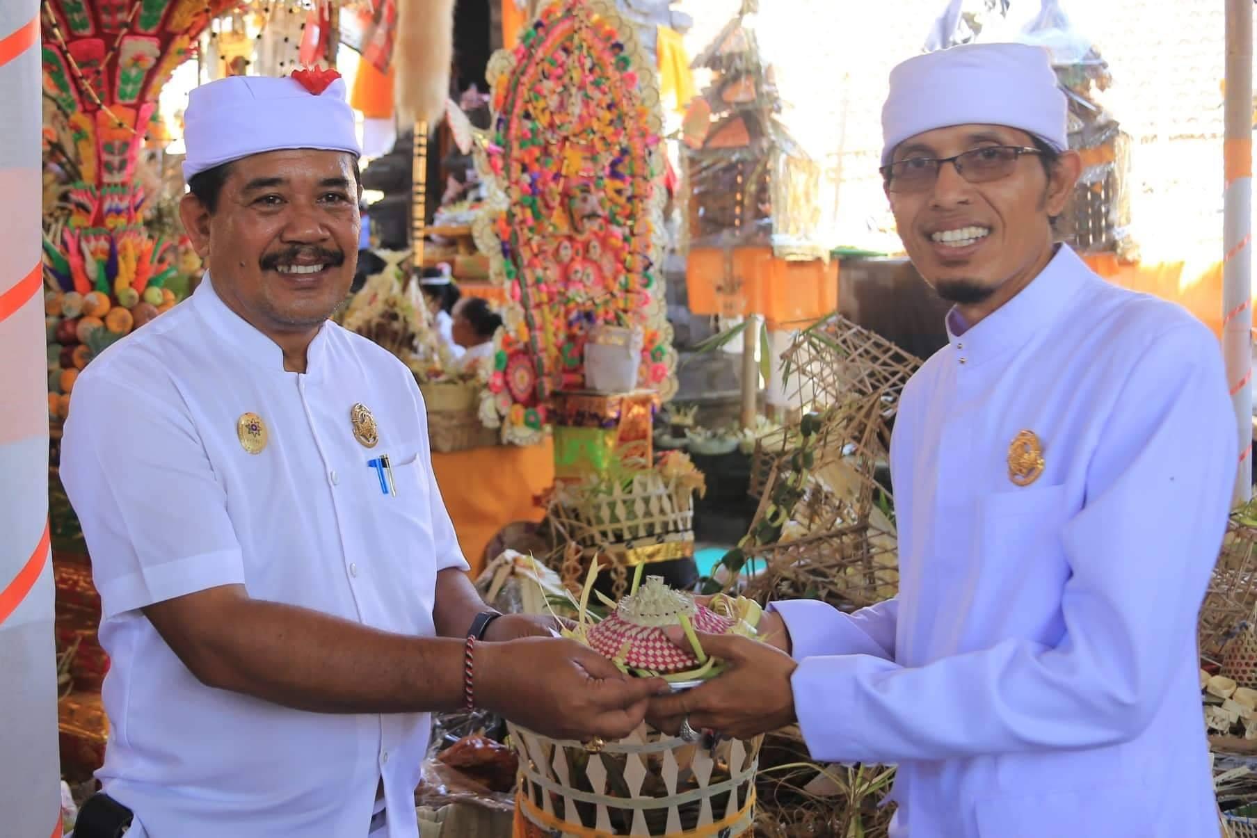 Wakil Bupati Klungkung menghadiri Upacara Karya Mecaru Banjar Sangging di Desa Adat Akah