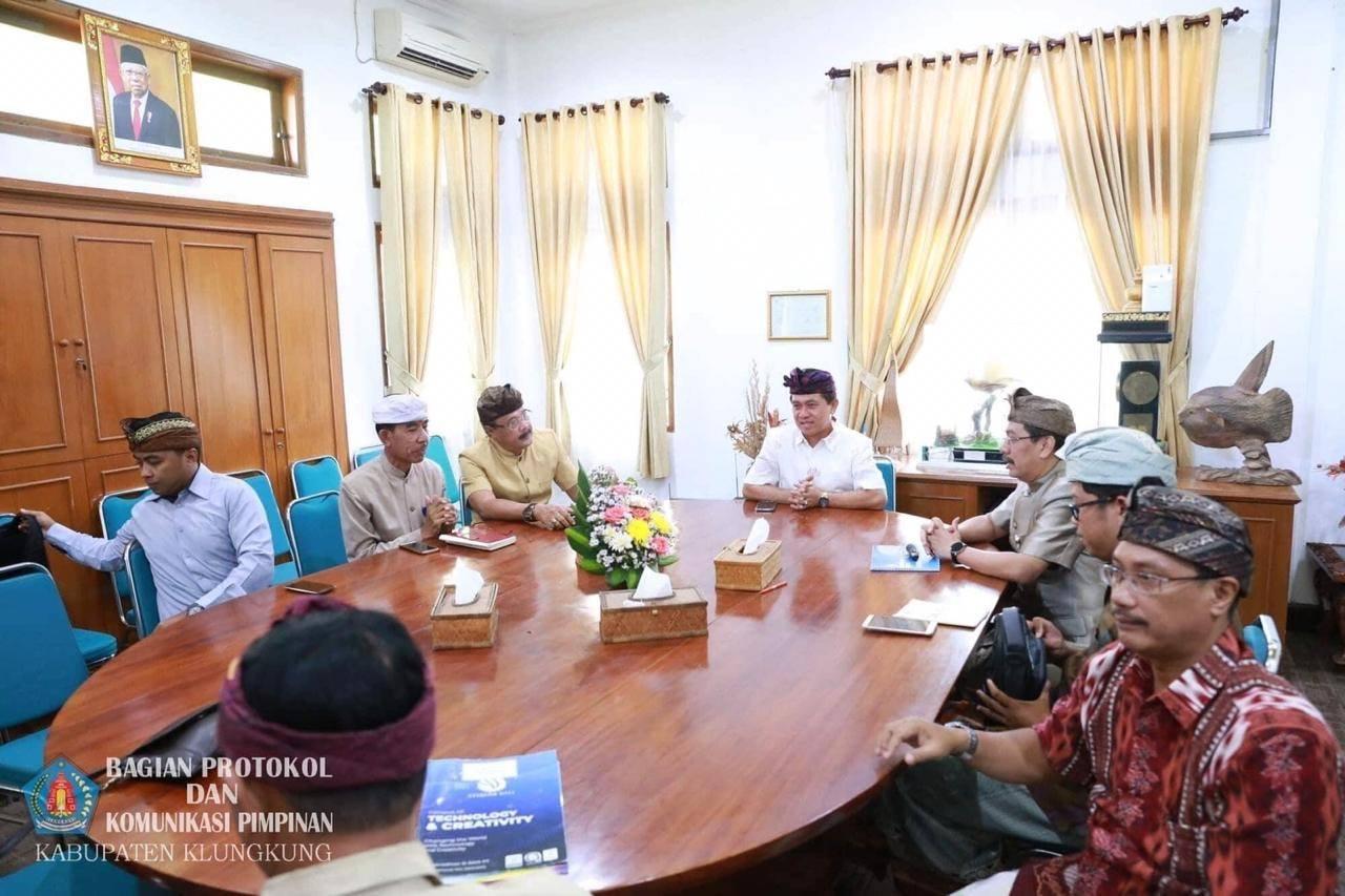 Albums Bupati Klungkung menerima audiensi Kepala Sekolah ...